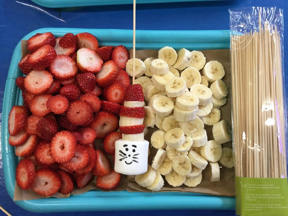 healthy strawberries & bananas at a Preschool & Daycare Serving North Hollywood & Santa Monica, CA